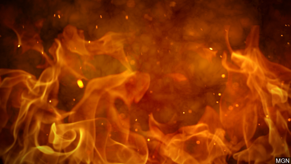 Iowa barn fire kills about 20 pigs and sheep but no one hurt | KMEG