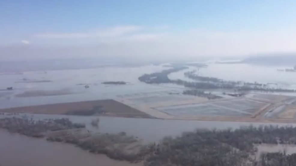 350+ miles of levees breached along Missouri, Elkhorn